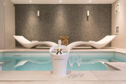 Zwembad Suite