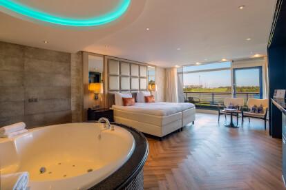 Top Suite