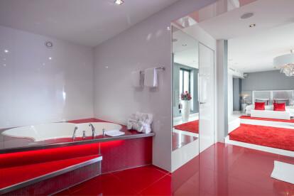 Honeymoon Red Suite